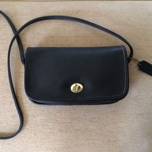 Classic Coach DINKY Penny Flap Purse Navy Leather